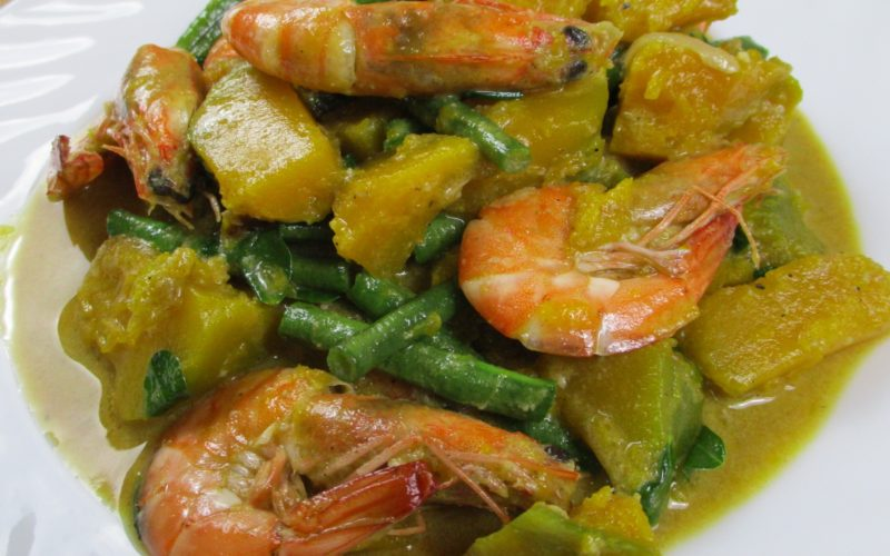 Ginataang Kalabasa at Sitaw (Squash and String Beans)