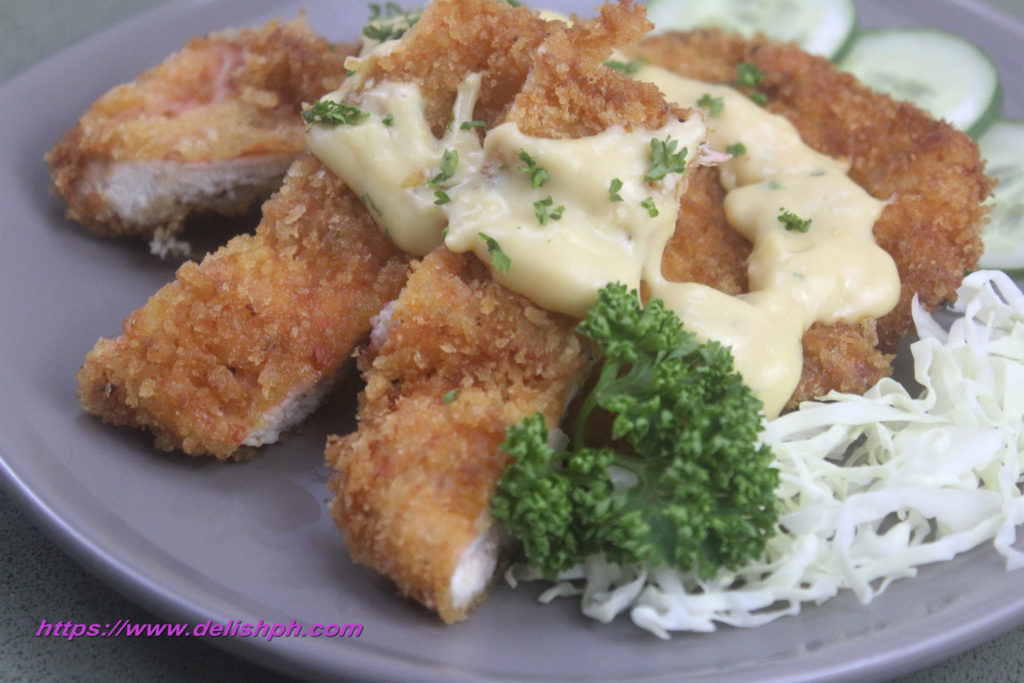 Crispy Chicken with Cheesy Sauce