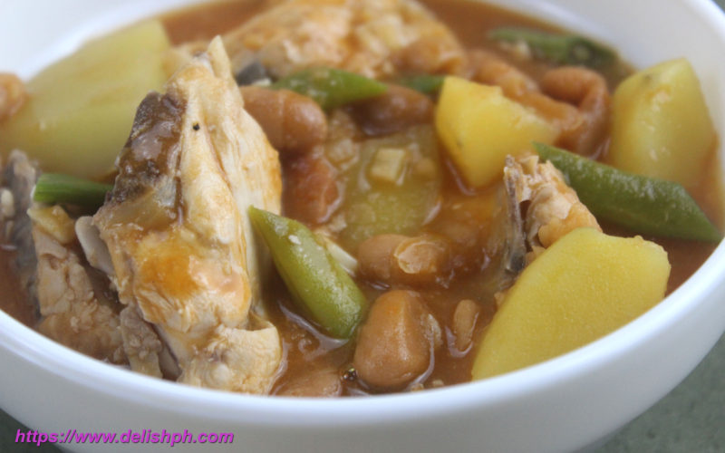 Chicken with Pork and Beans