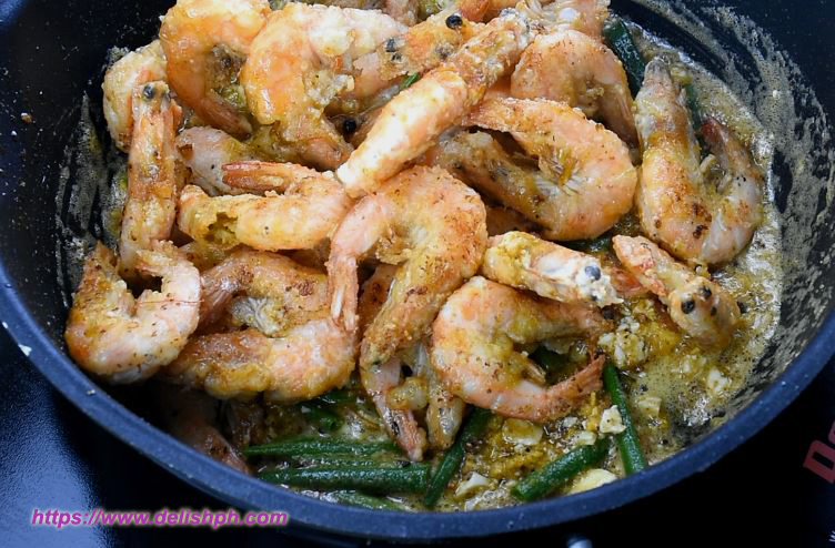 Shrimps with Salted Egg